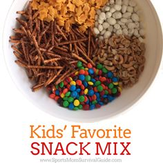 Pantry PopCorn Mix from The BakerMama We are always on the go and this Kid's Favorite Snack Mix is so easy and fast to mix together and keep on hand for school lunches, snack and to grab-and-go! Trail Mix Recipes, Snack Mix Recipes, Dog Food Recipes, Snack Mixes, Popcorn Mix, After School Snacks, School Lunches, School Snacks For Kindergarten, Bag Lunches