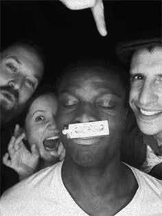 'Animated GIF Photo Booth' For Your Next Party - DesignTAXI.com
