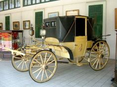 The Royal Carriage Museum in Dusit Garden, Bangkok recaptures a period when royalty and nobility traveled in horse carriages and traffic jams were unheard of.