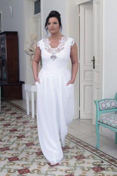 Plus size wedding gowns 2016 orit Modest Wedding Gowns, Plus Size Wedding Gowns, Plus Size Gowns, Couture Wedding Gowns, Boho Wedding Dress, Wedding Attire, Bridal Gowns, Bling Wedding, 2017 Wedding