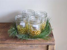 Christmas Mason Jar Luminaries Centerpiece von cattales auf Etsy