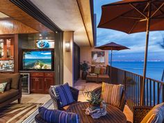 Maui Gorgeous Penthouse w/ pvt. elevator (must see... - VRBO