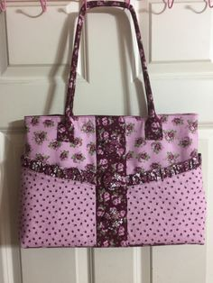 Large burgandy and pink flowered tote by leahssewingcreations. Explore more products on http://leahssewingcreations.etsy.com