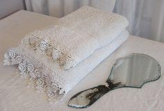 Einfache Handtücher mit Spitze verziert...UNIKATE