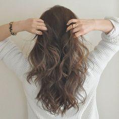 分かりやすい解説付き☆簡単波巻きヘアのアレンジ集♡カットいらずで外国人風の髪型に♡