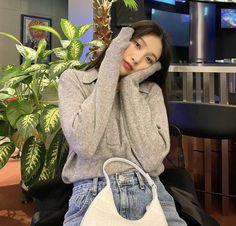 Park Joy, Joy Rv, Red Velvet Joy, Korean Aesthetic, Verse, Me As A Girlfriend, Girl Crushes, Style Icons, My Girl