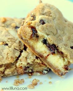 If you love cookies, you'll love these Cheecake Chocolate Chip Cookie Bars!!