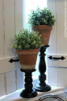 The Ultimate One Minute Craft DIY Topiary Pillars- great way to add a Terra cotta, earthy feel to living room Topiary Centerpieces, Topiary Decor, Centrepieces, Decoration Plante, Diy Casa, Creation Deco, Diy Décoration, Farmhouse Style Decorating, Home And Deco