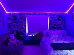 Indie Room Decor, Cute Bedroom Decor, Room Design Bedroom, Pretty Bedroom, Room Ideas Bedroom, Teenage Room Decor, Bedroom Decor For Teen Girls, Chill Room, Neon Room