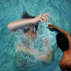 Un pintor nos lanza al agua con sus cuadros hiperrealistas