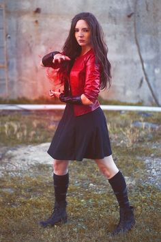 """Scarlet Witch & Quicksilver Cosplay http://geekxgirls.com/article.php?ID=6604 Amazing girl superhero. I'd be happy to welcome a real <a href=""""https://hembra.club/"""">superhero</a>"""