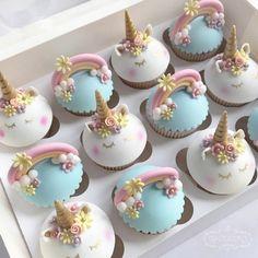 Unicorn cupcake ideas Unicorn eyes, horn and ears molds Bolo Da Hello Kitty, Apple Smoothies, Salty Cake, Fondant Molds, Cupcake Fondant, Cake Tins, Savoury Cake, Mini Cakes, Clean Eating Snacks