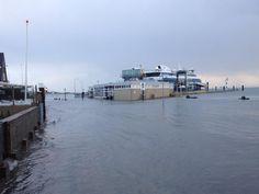 Hoog water op Vlieland op 22 oktober 2014 #msVlieland #veerdienst #Waddenzee #doeksen @rederijdoeksen (credits foto: @Stortemelk)