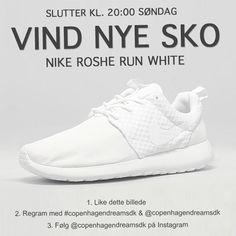 copenhagendreamsdk's photo on Instagram Sneakers, Instagram, Fashion, Tennis, Moda, Slippers, Fashion Styles, Sneaker, Fashion Illustrations