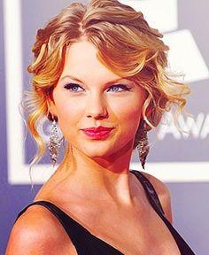 Taylor Swift rocking the curly bun