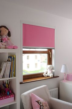 This BlocOutTM XL is a pink black out window blind for large windows. Perfect for bedrooms and children's nurseries achieving an unmatched level of darkness for a good night's sleep.