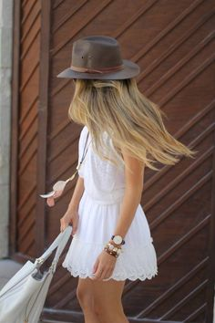 Summer Outfit: Western Story. Wearing Lace Skirt, Hat And Booties by Mes Voyages à Paris