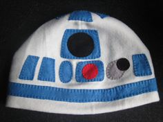 R2D2 Inspired Fleece Hat made by @gracia fraile Gomez-Cortazar's Favours (@Matthew D.)