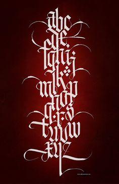 Saved by Steve Czajka (steveczajka) on Designspiration. Discover more Calligraphy Steveczajka Posterous - Digital inspiration. Gothic Lettering, Graffiti Lettering Fonts, Graffiti Alphabet, Creative Lettering, Script Lettering, Lettering Design, Lettering Tutorial, Calligraphy Fonts, Tattoo Lettering Alphabet