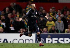 Robben Funny Soccer Pictures, Funny Soccer Memes, Soccer Pics, Soccer Stuff, Football Jokes, Football Is Life, Football Things, Football Celebrations, Top Soccer