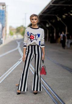 6 modi di indossare d'estate i pantaloni a zampa d'elefante per essere glam e chic -cosmopolitan.it