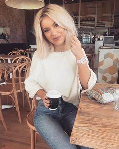 "1,506 mentions J'aime, 7 commentaires - Laura Jade Stone (@laurajadestone) sur Instagram : ""Mondays ☕️☕️ | Wearing the cutest @babyg_jp """