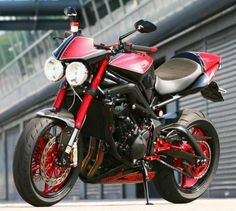 Pettinari Street Triple in Red/Black