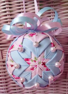 New Leaf Crafts: Christmas 2012 & A Quilted Ornament