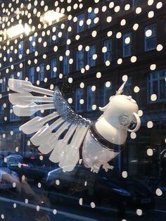 Cockatoo made of spatulas and cup/coffee machine Peter Jones window display London 13