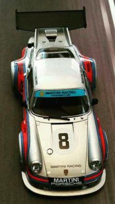 01 —— Porsche Martini Racing  —–