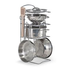 Let's Play House! Stainless Steel Pots & Pans Play Set This play set features shiny stainless steel cookware Mom and Dad would envy! Brand: Melissa and Doug years Casseroles, Kitchen Sets For Kids, Kitchen Ideas, Pretend Play Kitchen, Pretend Food, Stainless Steel Pot, Pots And Pans Sets, Melissa & Doug, Pan Set