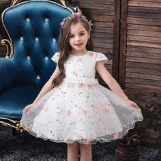 Best Girls Clothing For Your Kids Dresses Kids Girl, Girl Outfits, Flower Girl Dresses, Flower Girls, The Dress, Baby Dress, Dress Girl, Kids Frocks Design, Girl Dress Patterns