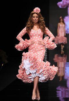 Flamenco Fashion by Luchi Cabrera Spanish Dress, Spanish Style, Dance Dresses, Prom Dresses, Fashion Art, Fashion Show, Pink Fashion, Mode Costume, Spanish Woman