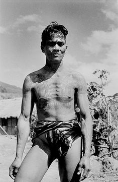 Ttattooed Igorot man on northern Luzon island, Philippines, Philippines People, Visit Philippines, Philippines Culture, Vintage Pictures, Old Pictures, Melanesian People, Traditional Filipino Tattoo, Islands