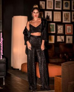 Trend alert and must have for fashion and outfits for the incoming New Style of women's fashion New Years Outfit, New Years Eve Outfits, Night Out Outfit, Nye Outfits, Night Outfits, Fashion Outfits, Womens Fashion, 80s Fashion, Ladies Fashion