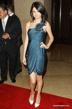 SELENA GOMEZ in blue | Selena Gomez Photo in Blue Dress #10 - Apnatimepass.com