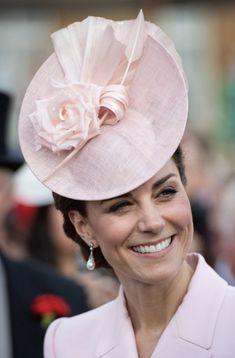 Duchesse de Cambridge - Boucles d'oreille Collingwood de Diana.