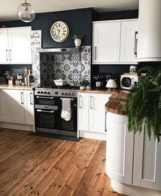 25 +> Likes: Comments: 74 - Mel Boyden (Melanie Jad .- 25 +> Likes: Comments: 74 – Mel Boyden (Melanie Jade Designs Home Decor Kitchen, Kitchen Interior, New Kitchen, Home Kitchens, Kitchen White, Kitchen Things, Black Kitchens, Kitchen Paint, Rustic Kitchen