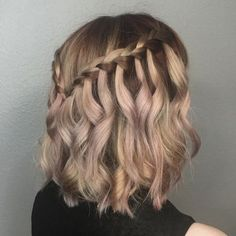 Waterfall braid by amanda lyberger amanda braid lyberger waterfall amanda braid lyberger waterfall brautmode atemberaubende hochzeitsfrisuren 2019 Prom Hairstyles For Short Hair, Braids For Short Hair, Box Braids Hairstyles, Trending Hairstyles, Short Hair Cuts, Teenage Hairstyles, Hairstyles Tumblr, Pretty Hairstyles, Wedding Hairstyles For Short Hair