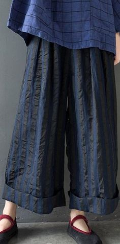 this wideleg pants is attractived with the silk linen fabric,very smooth touch Material: silk linenfree size : length hip cm waist 88 cm Thanks Linen Pants Women, Wide Leg Linen Pants, Pants For Women, Women's Pants, Harem Pants, Linen Fabric, Cotton Linen, Dress For Body Shape, Summer Pants