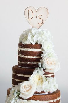 Wood Cake Topper | 15 Pretty Perfect Wedding Cake Toppers