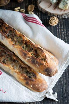 Baguettes au levain au bleu d'Auvergne et aux noix