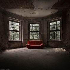 The red sofa by Ina Gat