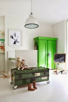boy room with green - design Maaike Koster  http://www.mydeer.nl/index.html