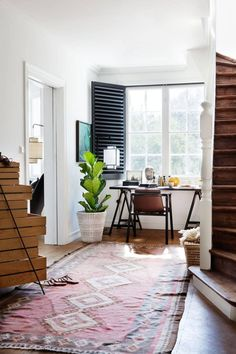 Modern Interior Shutters for Each and Every Room Modern Interior Shutters, Home Interior Design, Interior Styling, Minimal Desk, Gravity Home, Simple Desk, Home Upgrades, Living Spaces, House Styles