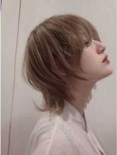 Hair Color Streaks, Hair Highlights, Hair Inspo, Hair Inspiration, Medium Hair Styles, Curly Hair Styles, Short Punk Hair, Mullet Hairstyle, Asian Hair