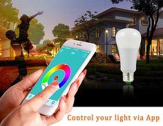 """UPOP... Bluetooth-os, okos LED égő        Most találtam rá erre a """"kincsre"""" éselgondolkodtamazon, lehet, hogy beszerzek magamnak isegyet..."""