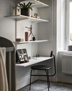 Scandinavian Desk Ikea Algot, Ikea Elvarli, Ikea Desk, Home Room Design, Home Office Design, Home Office Decor, Small Bedroom Hacks, Home Office Inspiration, Scandinavian Desk