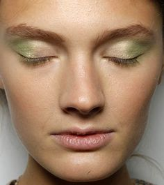 Neutral makeup and light eyeshadow are straight off the runway and on to the streets this Spring and Fall!