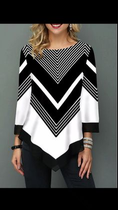 Chevron black and white all day! Such a perfect blouse for work or to dress up jeans. Print Asymmetric Hem Three Quarter Sleeve T Shirt Trendy Tops For Women, Blouses For Women, Look Blazer, Cute Blouses, Chevron, Ideias Fashion, Fashion Outfits, Fashion Top, Womens Fashion